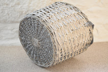 Load image into Gallery viewer, Medium Wicker Storage Basket