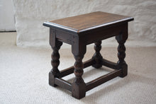Load image into Gallery viewer, Small Antique Early 19th Century Oak Peg Jointed Side Table