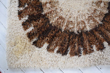 Load image into Gallery viewer, Vintage Mid-Century Scandinavian Wool Rug