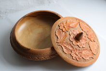 Load image into Gallery viewer, Vintage Hand Carved Wooden Lidded Bowl