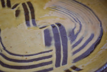 Load image into Gallery viewer, Vintage Slipware Comb Decorated Dish