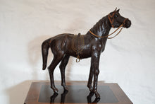Load image into Gallery viewer,  horse sculpture