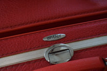 Load image into Gallery viewer, Vintage Set of 3 Red Suitcases