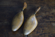 Load image into Gallery viewer, Antique victorian Wooden Shoe Stretchers With Hinged Handles