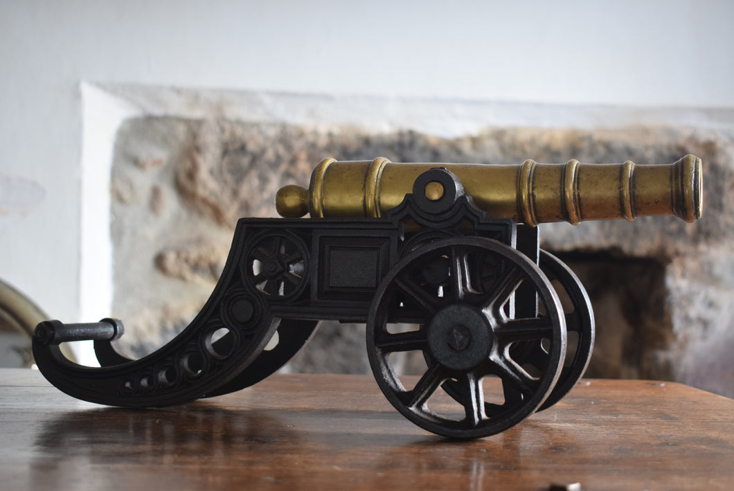 Model Brass Cannon on Cast Iron Carriage