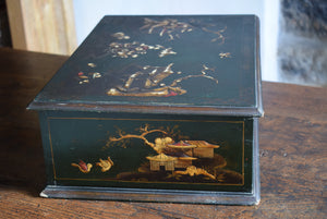 18th Century Chinoiserie Lacquered Lace Box