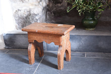 Load image into Gallery viewer, Antique Scumble Glaze Stool