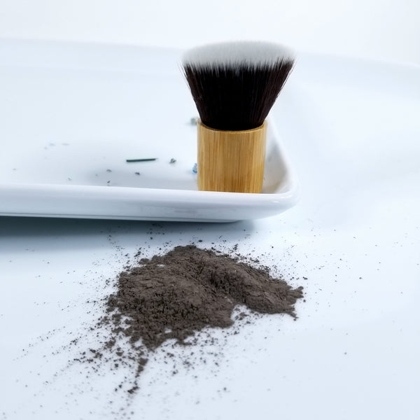 Organic Dry Shampoo Powder Brush