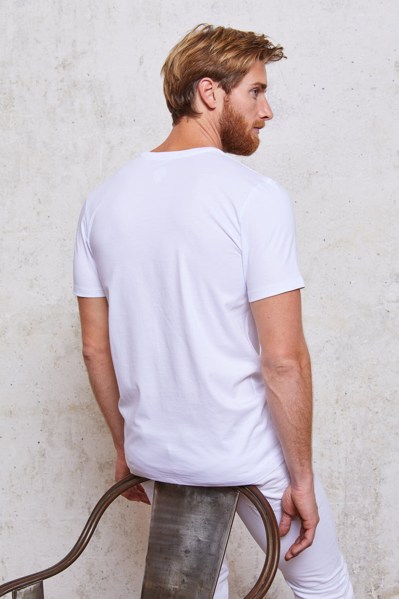 Style#21-MenTShirt-WH-Back+Sitting
