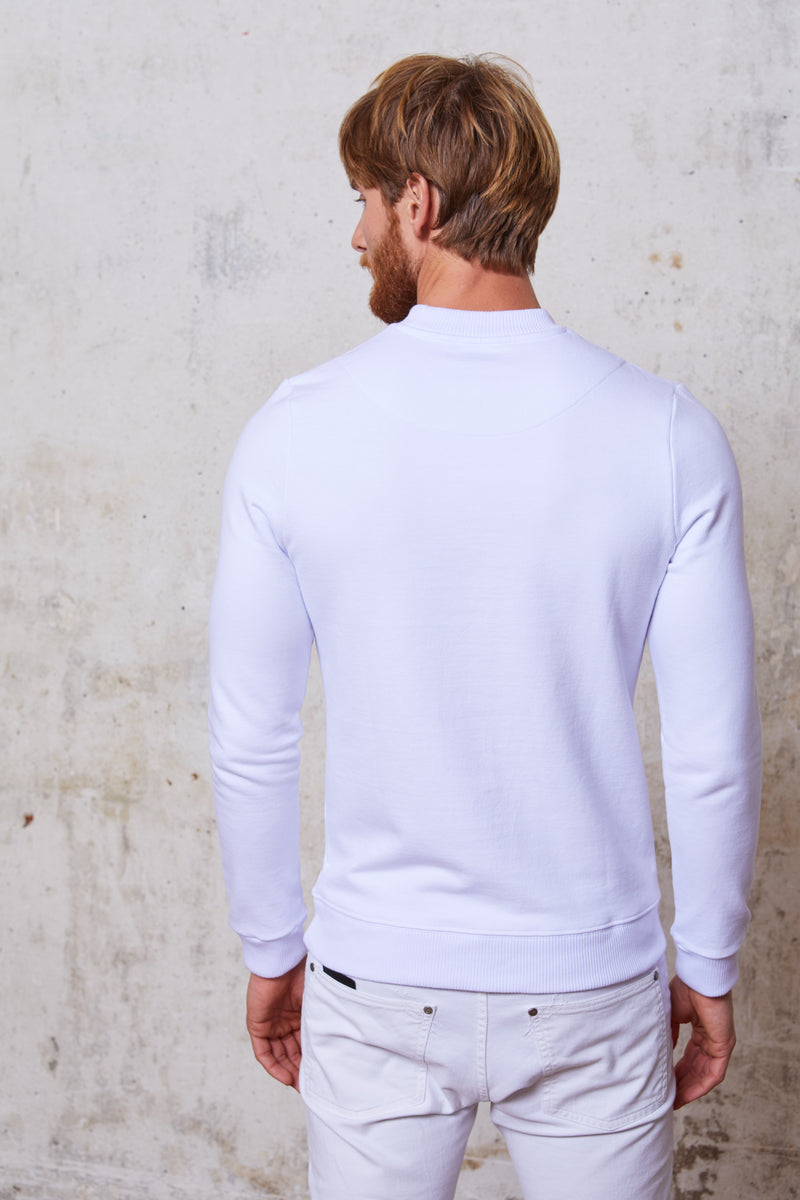 Style#24-MenCrewNeck-WH-Back