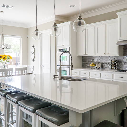 Transitional Kitchen | Get the look with Jolie products