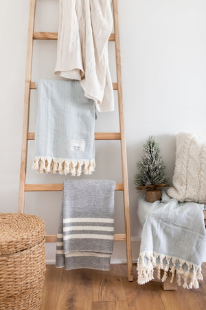 Jillian Harris x Droplet Blanket