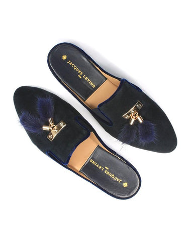 products/Navy_Tea_Genuine_Suede_Slippers_with_Tassels_3_56b5d6f7-337a-4699-8ef2-35c2684ed7e6.jpg