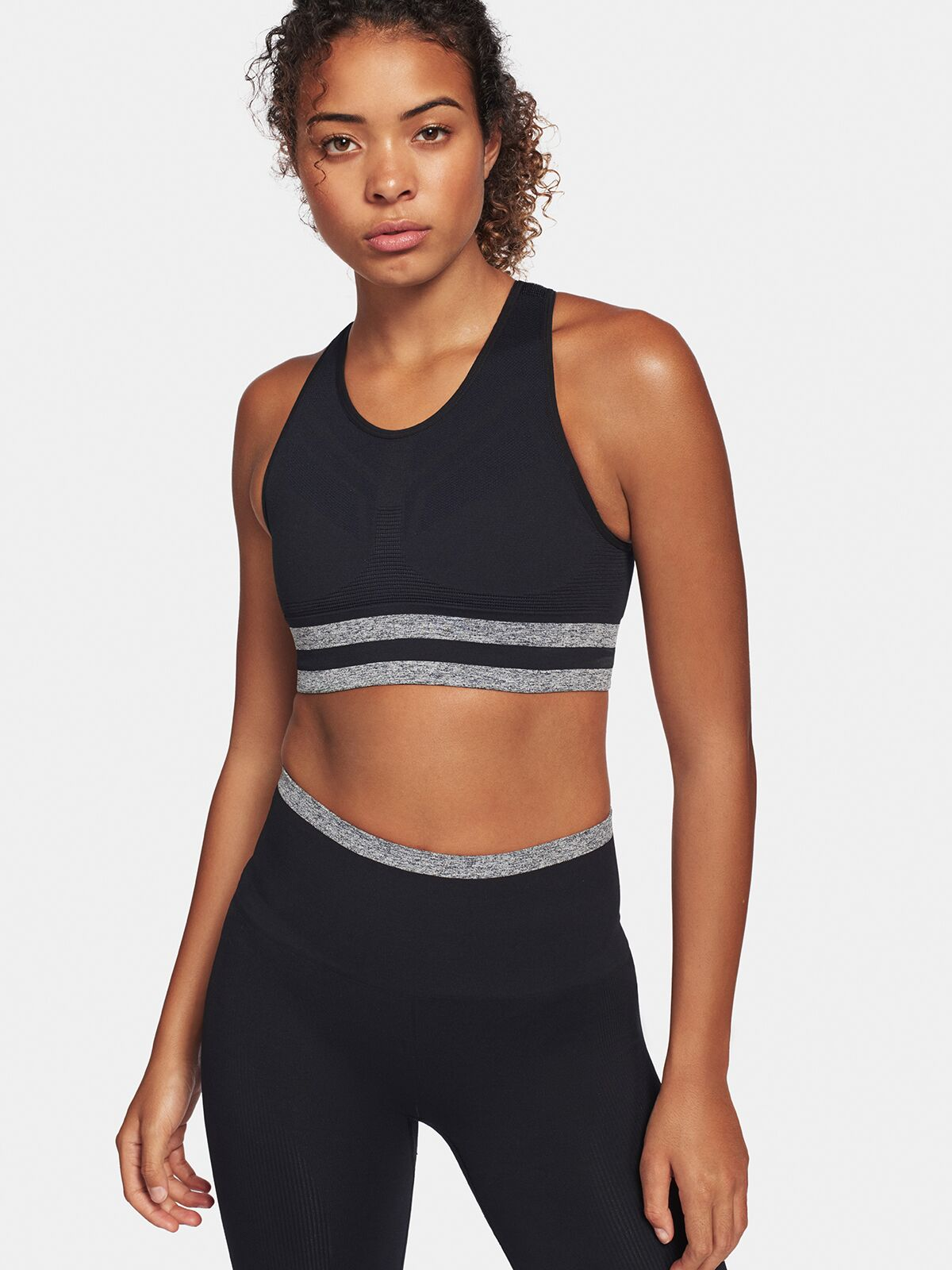 Shape Sports Bra - Black