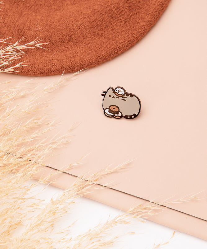 Donut Pusheen Pin