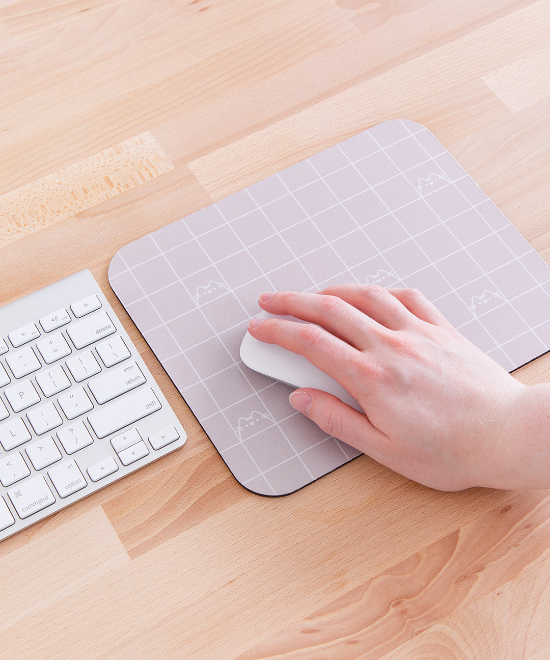Pusheen Grid Mouse Pad