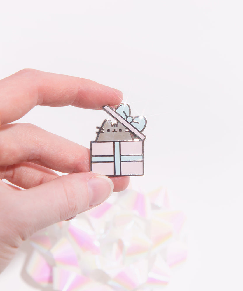 Present Pusheen Pin