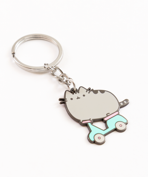 Scooter Pusheen keychain