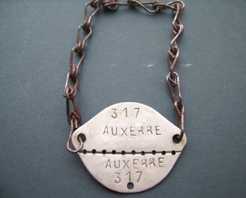 France military dog tag