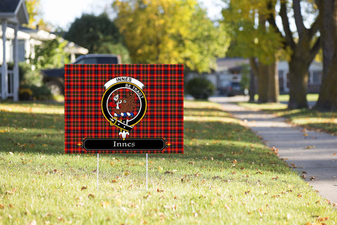 ScottishShop Innes Yard Sign - Tartan Crest Yard Sign