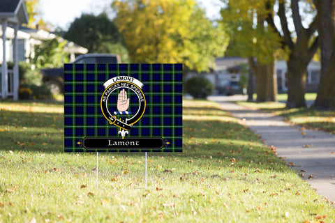 ScottishShop Lamont Yard Sign - Tartan Crest Yard Sign