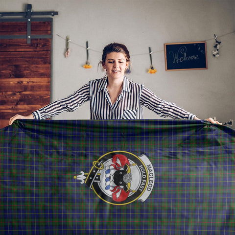 MacLeod Crest Tartan Tablecloth | Home Decor