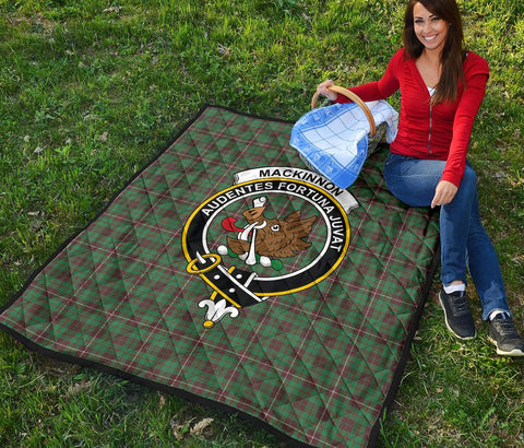 Image of Premium Quilt - MacKinnon Hunting Ancient Tartan Quilt - Clan Crest TH8