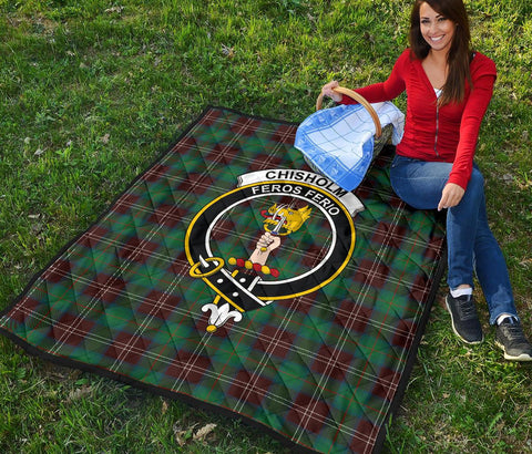 Premium Quilt - Chisholm Hunting Ancient Tartan Quilt - Clan Crest TH8