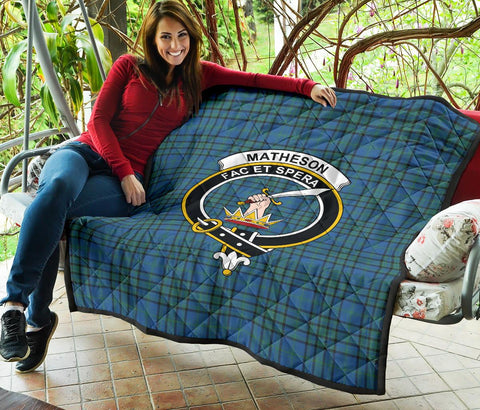 Image of Premium Quilt - Matheson Hunting Ancient Tartan Quilt - Clan Crest TH8