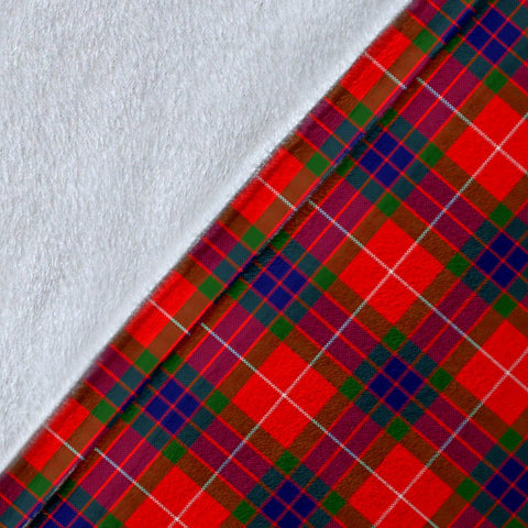 Fraser (of Lovat) Crest Tartan Blanket | Tartan Home Decor | ScottishShop