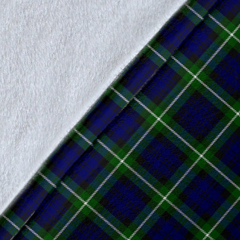 Lamont Crest Tartan Blanket | Tartan Home Decor | ScottishShop
