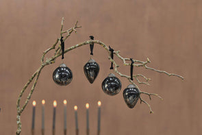 Nkuku CHRISTMAS DECORATIONS Danoa Baubles - Aged Smoke & Black
