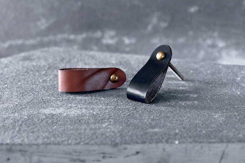 Nkuku HOOKS & KNOBS Dinka Plain Leather Handle