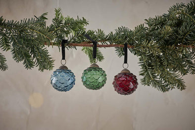 Nkuku CHRISTMAS DECORATIONS Layli Round Baubles