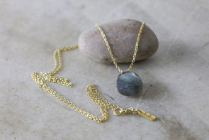 Nkuku JEWELLERY & ACCESSORIES Lori Labradorite Necklace - Gold