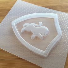 Load image into Gallery viewer, Lion Crest Plastic Mold - Shaker Mold