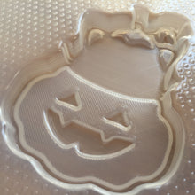 Load image into Gallery viewer, Pumpkin Cat Plastic Mold