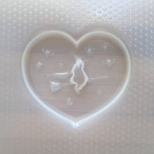 Load image into Gallery viewer, Flying Witch Heart Plastic Mold