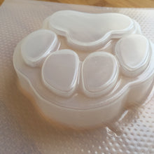 Load image into Gallery viewer, 4.8 oz Paw Print Plastic Mold