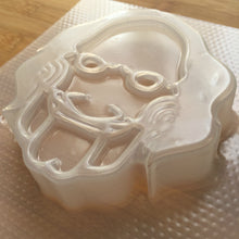 Load image into Gallery viewer, 4.8 oz Creepy Face Plastic Mold