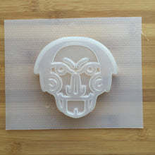 Load image into Gallery viewer, 5.3 oz Creepy Face Plastic Mold