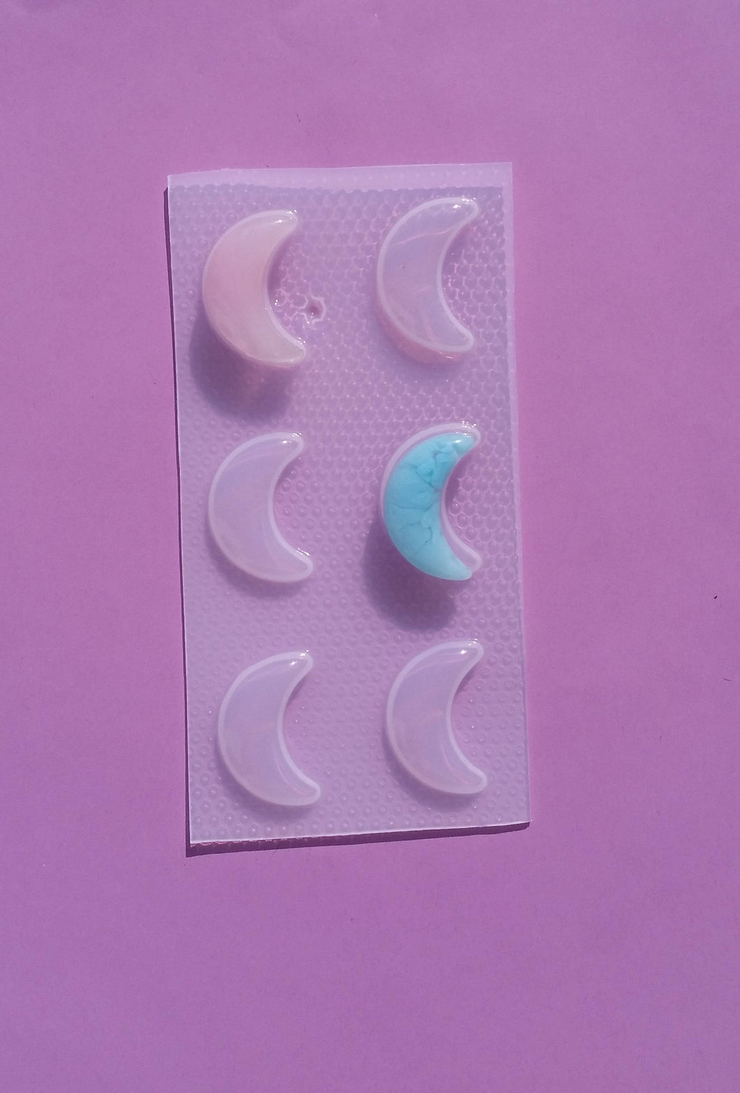 Bubble Crescent Moon Mold