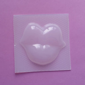 Huge Pouty Lips Mold