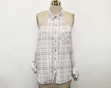 Load image into Gallery viewer, Fashion Nova White Plaid Top - Size: XL