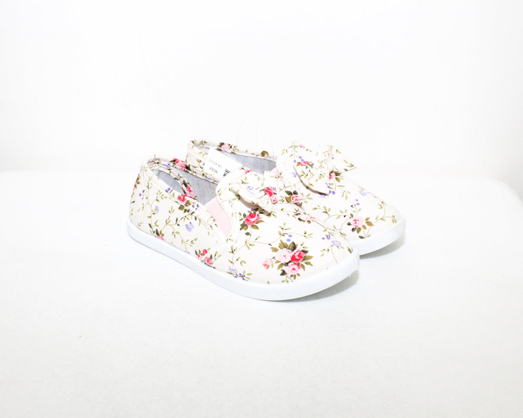 Bella Girl Ivory Floral Printed Shoes - Size: 10