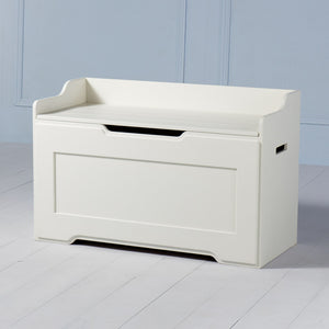 Boxford <br><i> <small>Toy Chest in White</i></small>