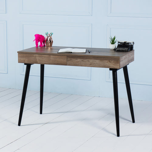 Kross<br><i> <small>Office Desk in Walnut</i></small>