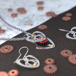 Queen of Hearts 3 | Mini+ Pendant