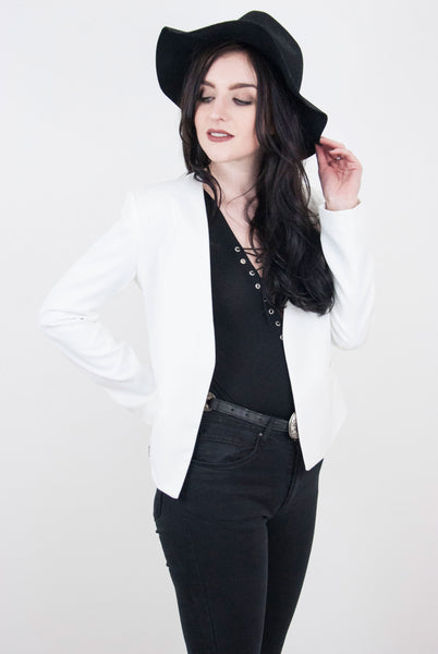 Sophia White Blazer - little-lies-uk