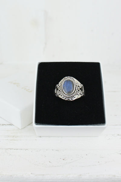 Sterling Silver Oval Labradorite Ring